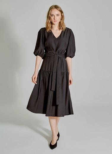 People By Fabrika V Yakalı Bağlamalı Elbise Siyah